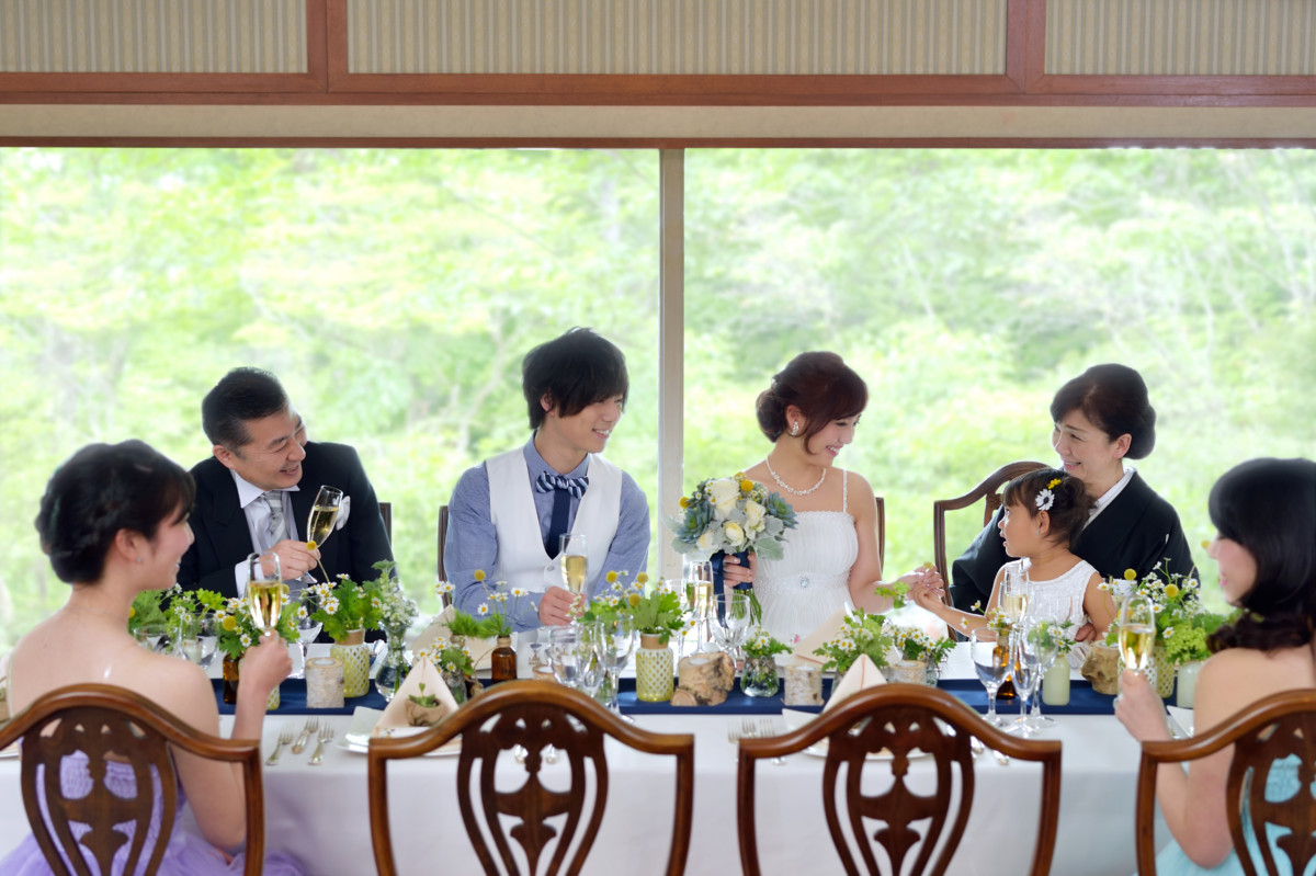 10名様以上の挙式・ご会食をお考えのお二人に嬉しい安心プラン♥ <br /> 担当プランナーが想いを込めておふたりの結婚式を素敵にサポートさせていただきます。